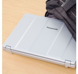 "Pc Portable TOUGHBOOK 2017 PANASONIC CF-LX6 Core i5-7200U 2.5Ghz Turbo 3.1Ghz 8 Go RAM 750 Go HDD Ecran 14"" FULL HD Licence Windows 10 Pro 64 Bit Etat comme neuf"