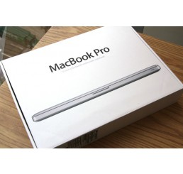 Apple Macbook pro 15 Retina Mi 2015 Core i7 Quad 2.2 GHz Turbo 3.4 Ghz - 16G - 256SSD - Intel Iris Pro Graphics 5200 - Clavier Azerty - Trackpad Force Touch - Apple OS X Yosemite - Neuf sous emballage